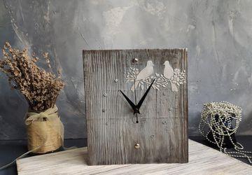 Часы деревянные из амбарной доски