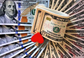10 способов как оригинально подарить деньги на свадьбу
