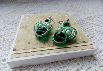 Сережки-гвоздики Green