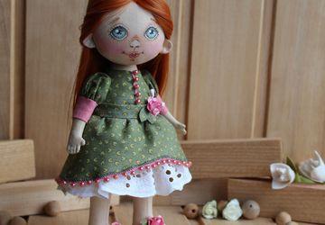 Текстильная интерьерная куколка Аришка.