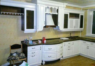 Кухня и отдельный кухонный шкаф