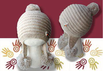 Вязаная шапка-ушанка для девочки