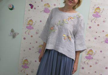 """Льняная блуза в стиле """"бохо""""с аппликацией."""