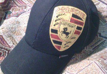 Рисунок на кепке