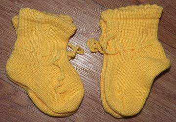 Носочки детские вязанные