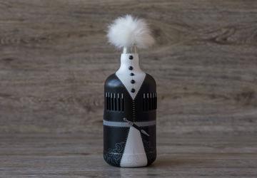 Изготовим на заказ оригинальный подарок из стеклянных бутылок в виде жениха и невесты (Кавказ-style))
