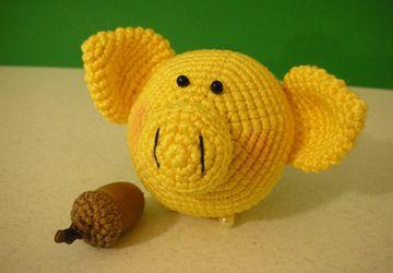 Ёлочная игрушка свиношарик жёлтый