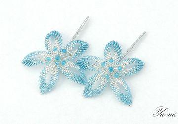 """Заколки-невидимки из бисера """"Серебристо-голубые цветы"""""""
