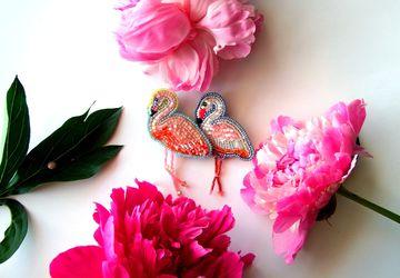 Розовый Фламинго брошь бисерная