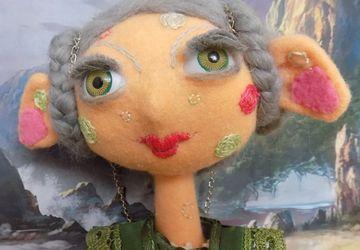 Кукла из фетра Камори