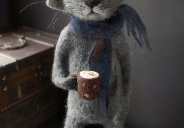 Кот с чашкой кофе