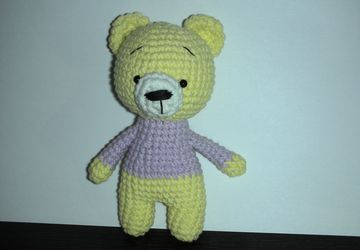Вязаный медвежонок 10см