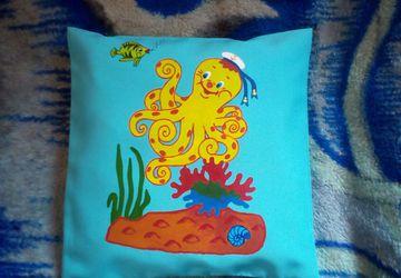 Роспись по ткани. декоративные подушки, рисунки на футболках...