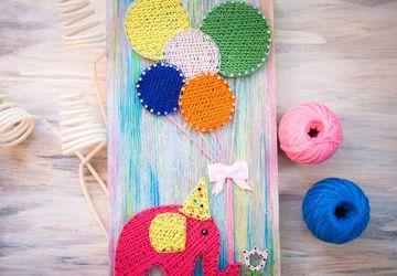 Панно Слоник с шарами в стиле StringArt