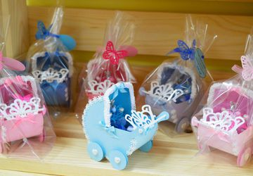 коляска с пожеланиями новорожденному