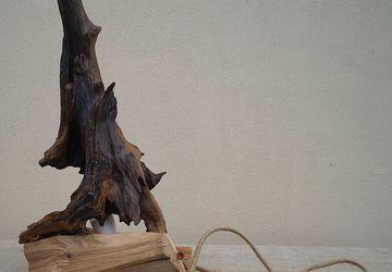 Деревянный LED настольный светильник из элементов корня дуба и ясеня, ручная работа