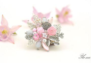 """Брошь с цветами и листьями """"Розовый лепесток"""""""