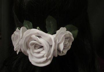 """Заколка """"Белые розы"""""""