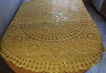 Скатерть вязаная желтая