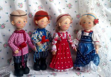 Текстильные сувенирные куколки в народном костюме
