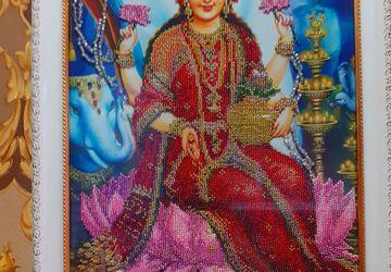 Лакшми Богиня Благополучия,изобилия,богатства,удачи и счастья .