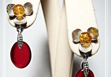 Серьги-гвоздики с чешским стеклом и янтарём