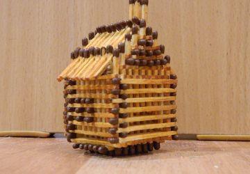 Сувенир спичечный домик