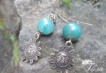 Солнечные сережки с малахитом