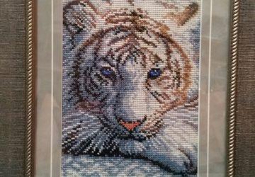 Картина вышитая. Тигр.