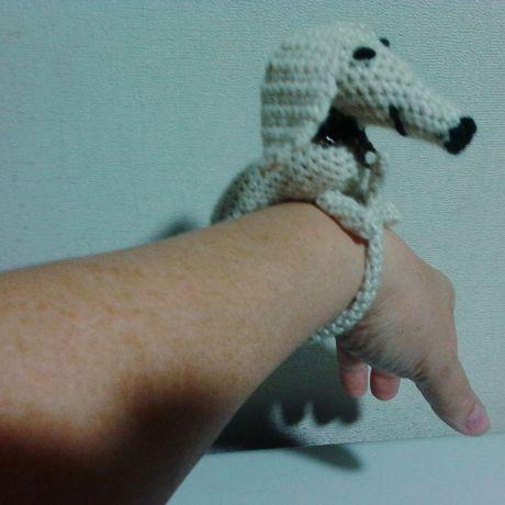 талисман собака новогодний брелок шклоа сувенир щенок такса песик браслет