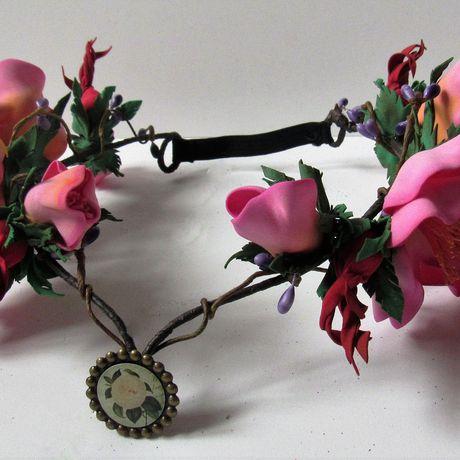 фоамирана диадема из шиповник цветы