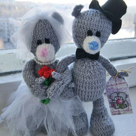 вяжутнетолькобабушки семья жених подарокнасвадьбу вяжуназаказ. вязаниеназаказ медведь женихиневеста игрушка мишка тедди вязание сувенир свадьба. тепло невеста интерьернаяигрушка подарок уют