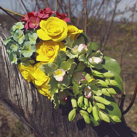 орхидея зеленый розы сизый желтый малиновый бутоны интерьер гортензия цветы