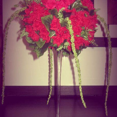 композиция цветов. искусственных цветочная из