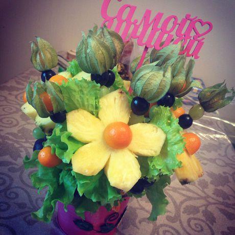 фруктовыйбукет букетизфруктов цветывкоробке деньрожденье сюрприз