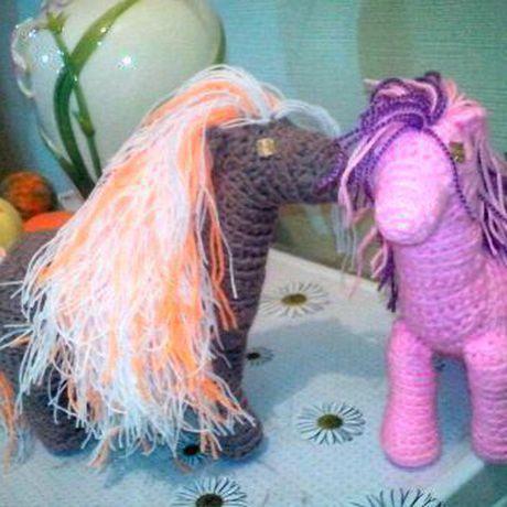 лошадки кони пони игрушки вязаные