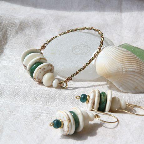 пляж летний песочный блики солнечный серьги браслет бирюзовый морской белый натуральные