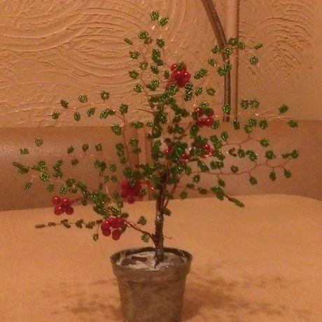 бисера из деревья рябина