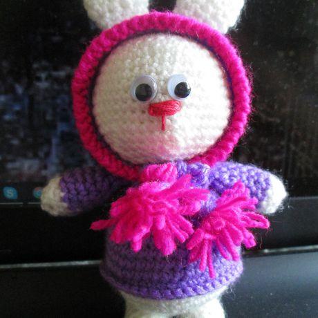 зайчонок игрушка вязаная в заяц крючком подарок