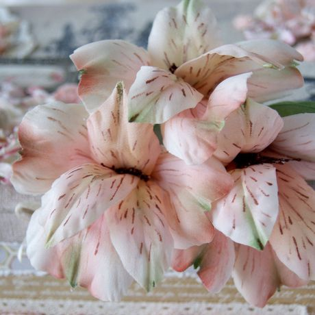 украшения цветыизшелка ручнаяработа