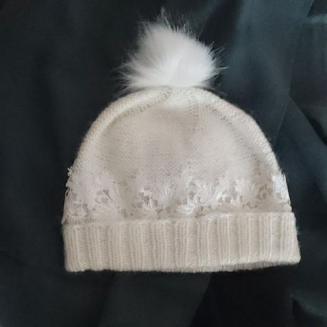 женская вязаная шапочка ручная шерстяная купить спицами шапка бамбук шерсть работа подарок
