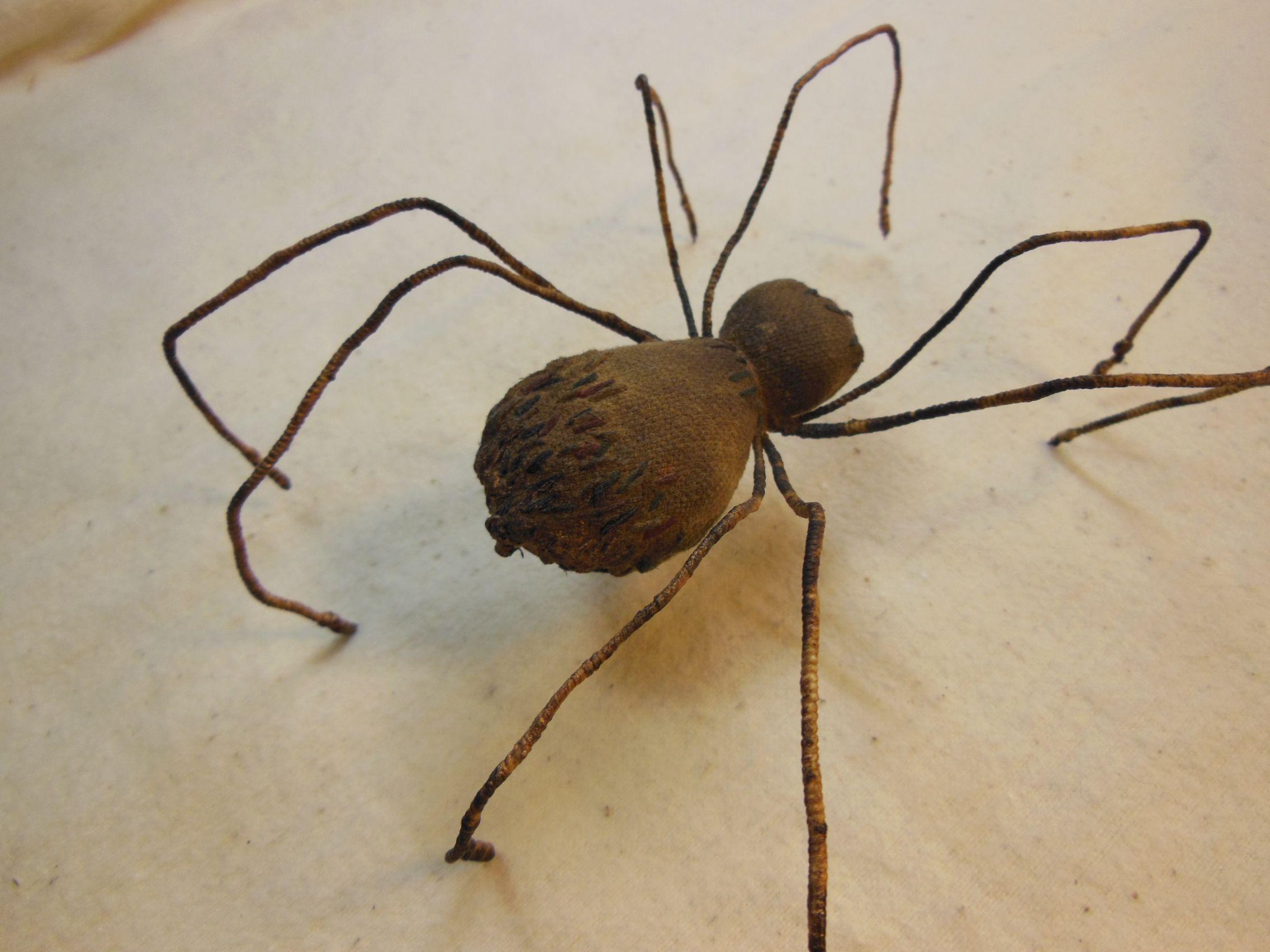 жуки пауки насекомые игрушки дизайн