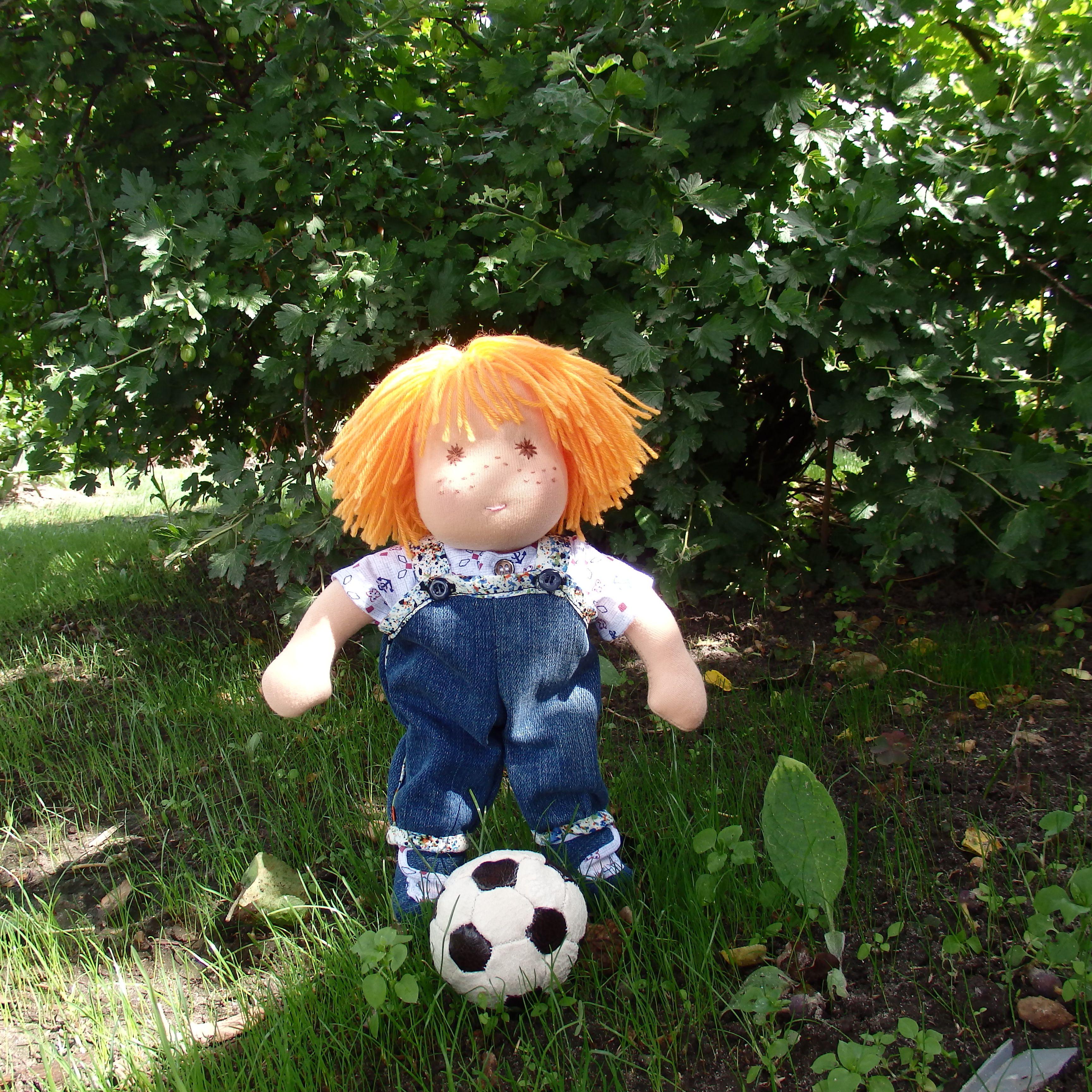 вальдорфскаякукла кукламальчик футболист куклавподарок вальдорфская подарокмальчику длядевочки игроваякукла подарок