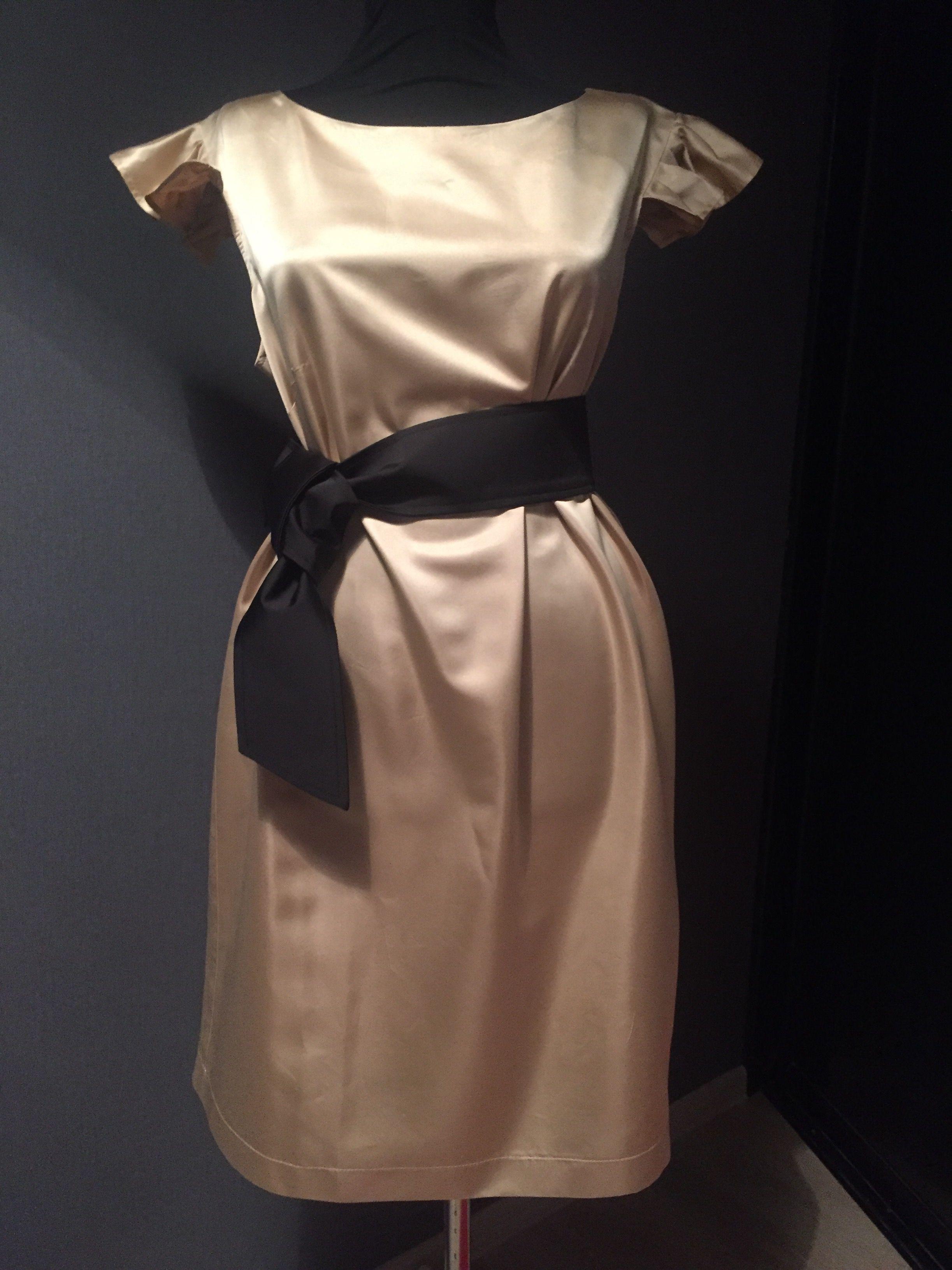 мода девушка нитки шить ткань платье красота