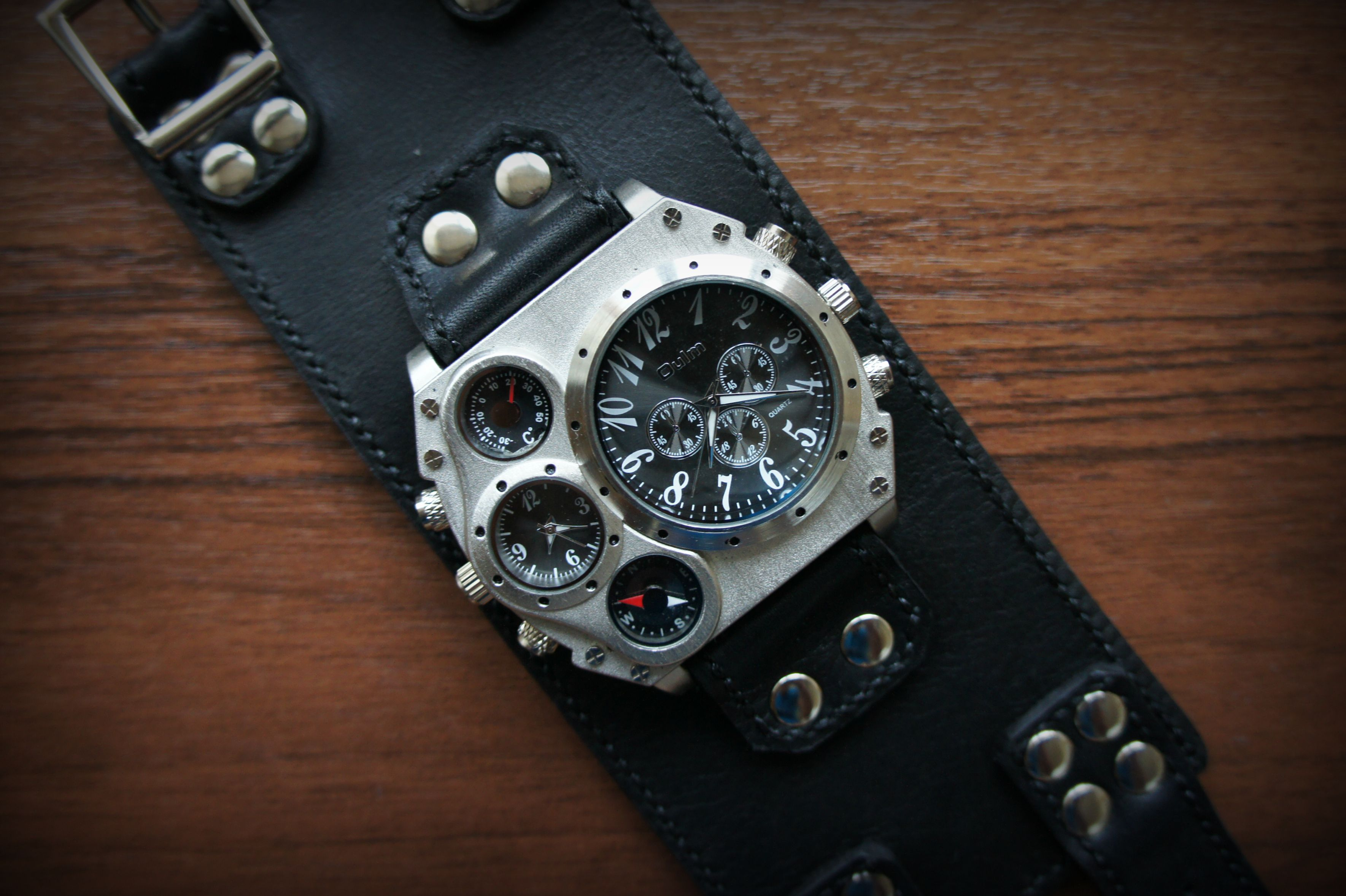 часынаширокомремешке браслетизкожи часыручнойработы часовоймеханизм наручныечасымужские часынаручныекупить подарокмужчине часынаширокомбраслете часы аксессуары handmade ручнаяработа кожа натуральнаякожа