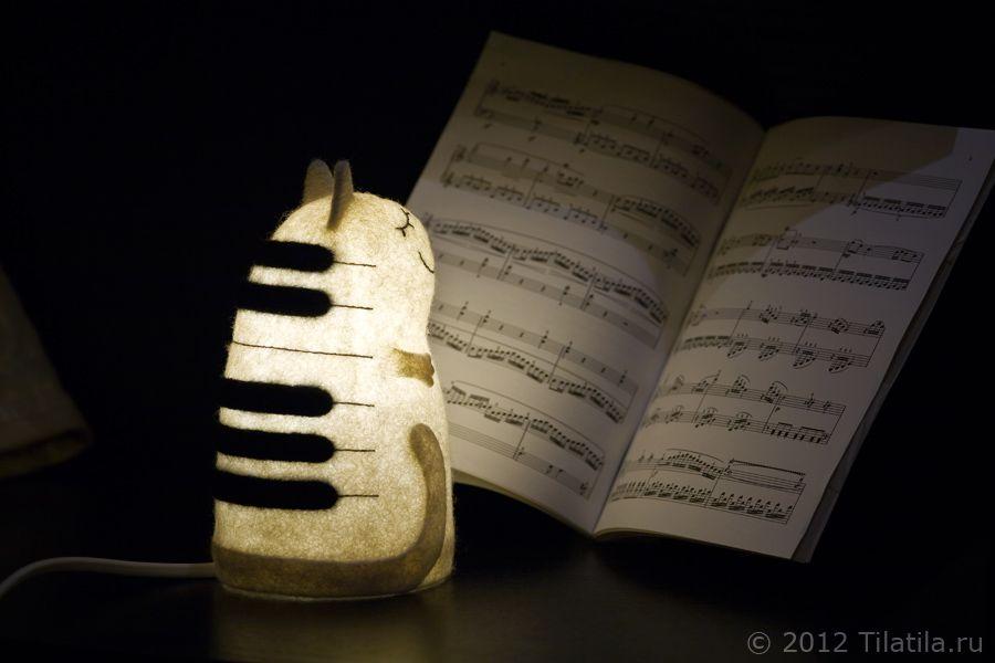 клавиши войлочный черно-белый музыкант войлок ночник светильник музыка кошка кот