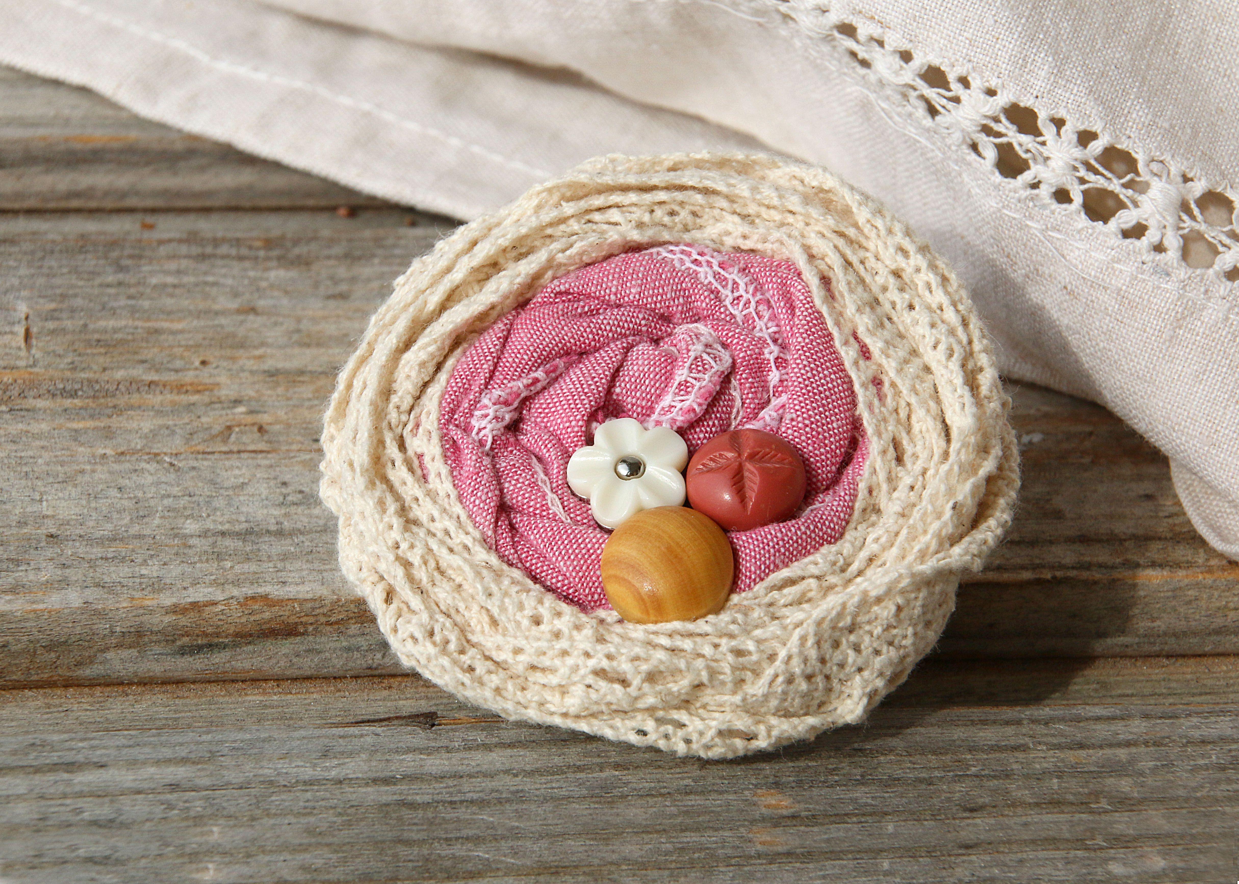 бохо шеби брошь провинция бежевая франция деревенский пуговицы украшения розовая авторские натуральные винтаж