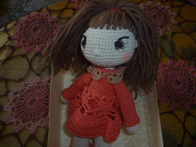 работы ручной вязаная бежевый человечки кукла игрушка авторская