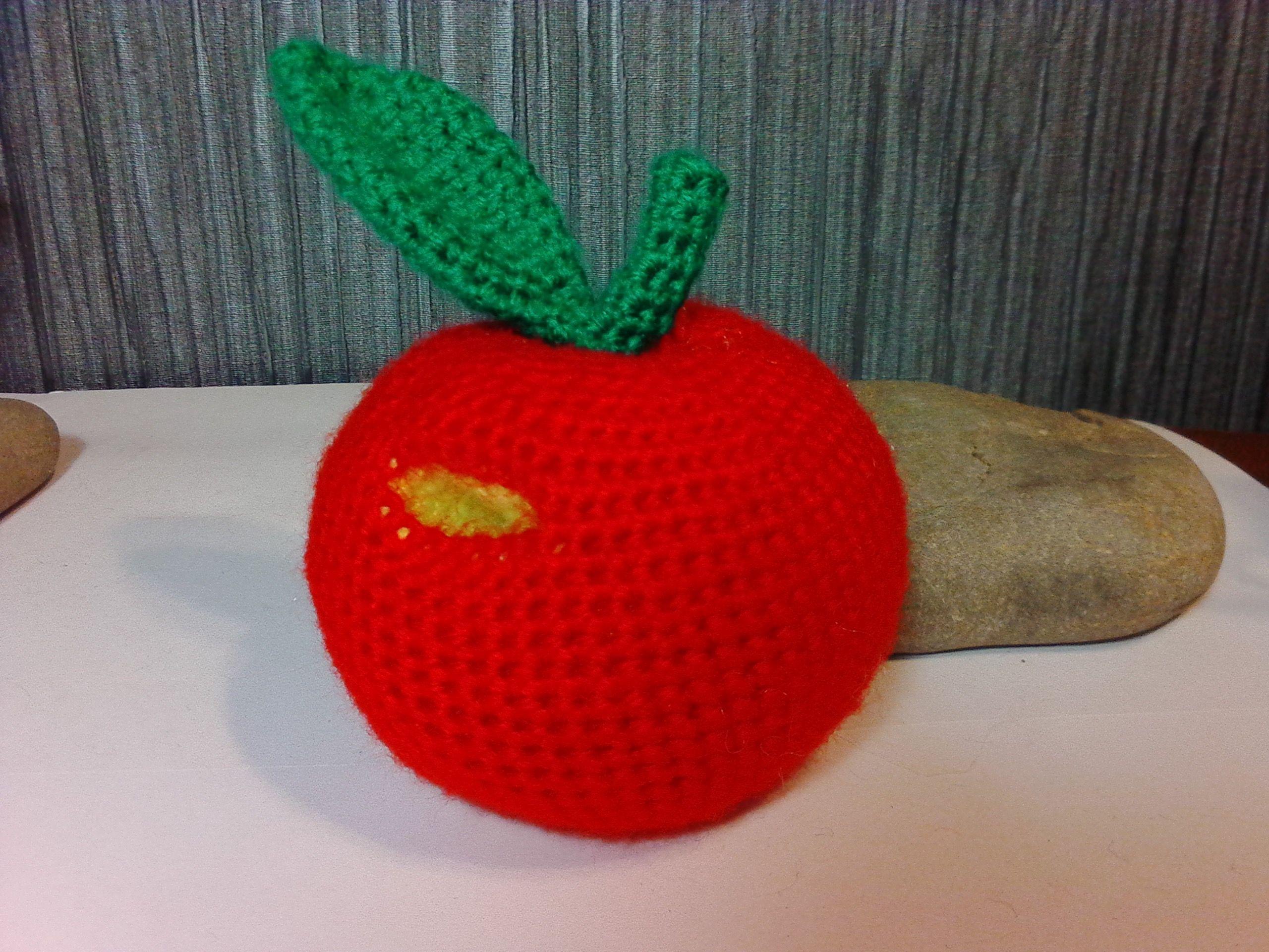 яблоко вязание подарки ручная игрушки вязанные мастер классы крючком работа сувениры