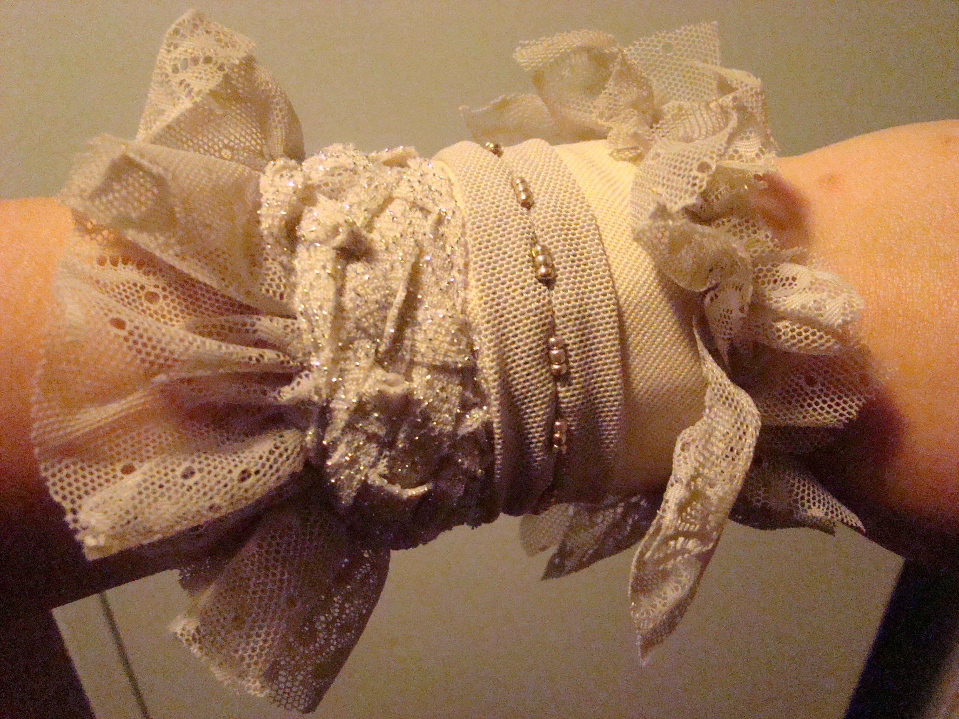 авангард нежный браслет из ткани стиль